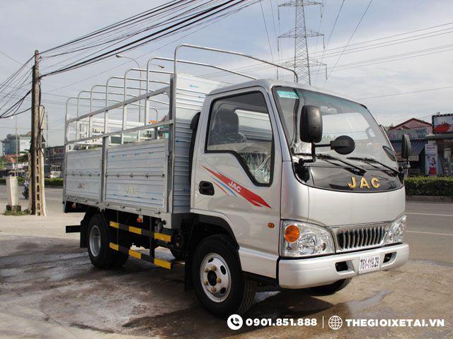 xe-tai-jac-hfc1030k-thung-bat-h1