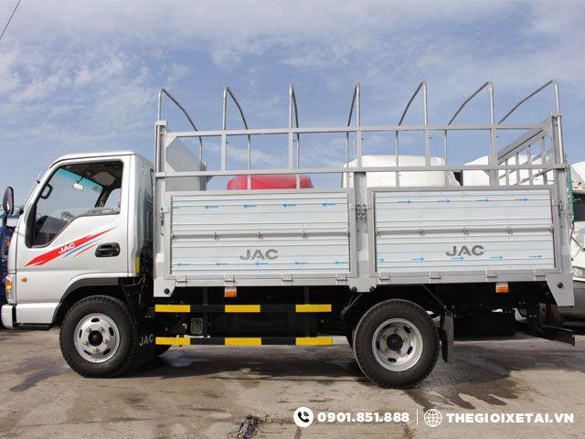xe-tai-jac-hfc1030k-thung-bat-h4