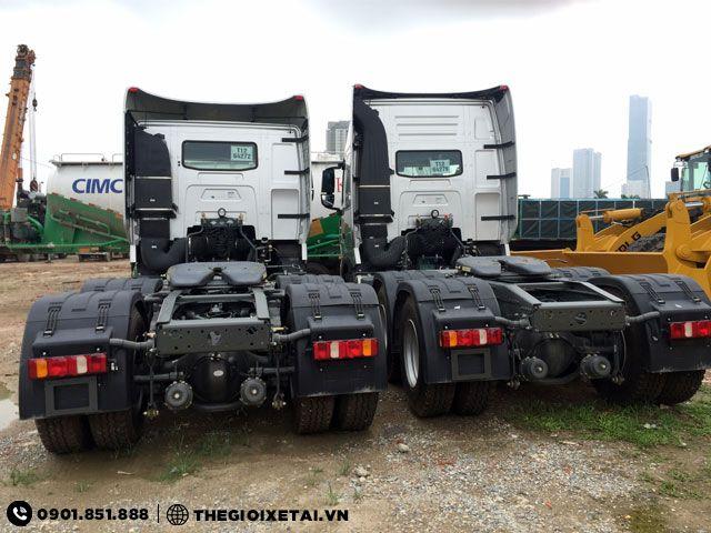 howo-a7-420hp-duoi-xe