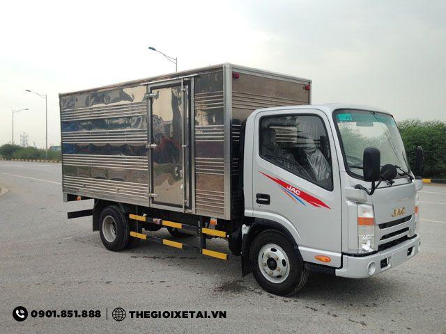 xe-tai-jac-n721-thung-kin-h11